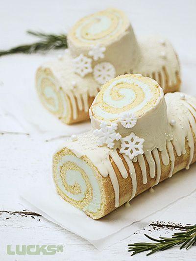 snowflake winter log cake