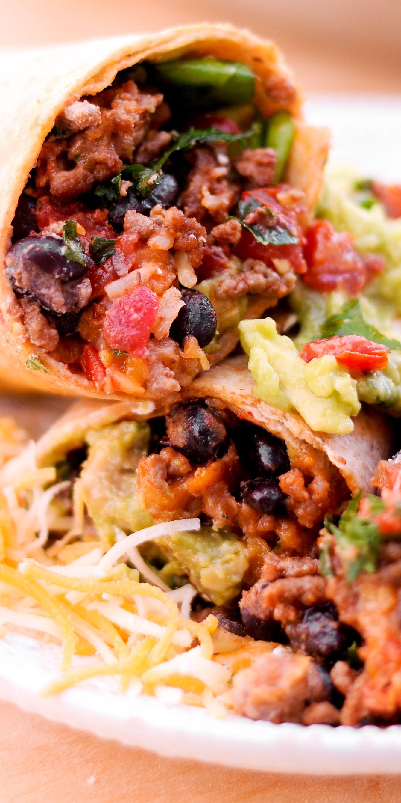 Beef Burrito With Guacamole In 2020 Beef Burrito Recipe Beef Burrito Recipe Easy Ground Beef