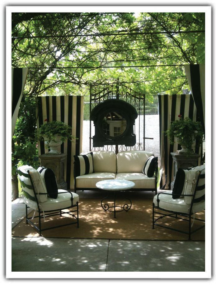 Charming Outdoor Area At A Store Called On The Veranda Phx Az