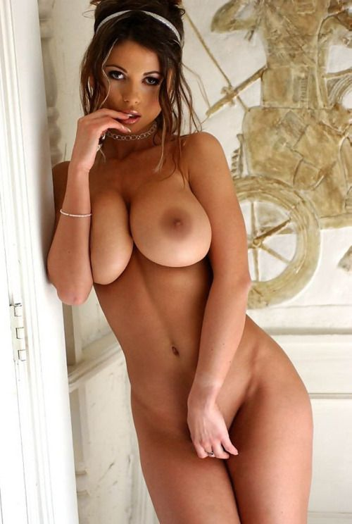 Beautiful nude brunette women