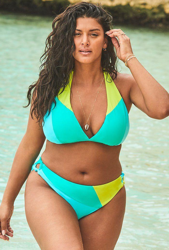bikini model walk Figure