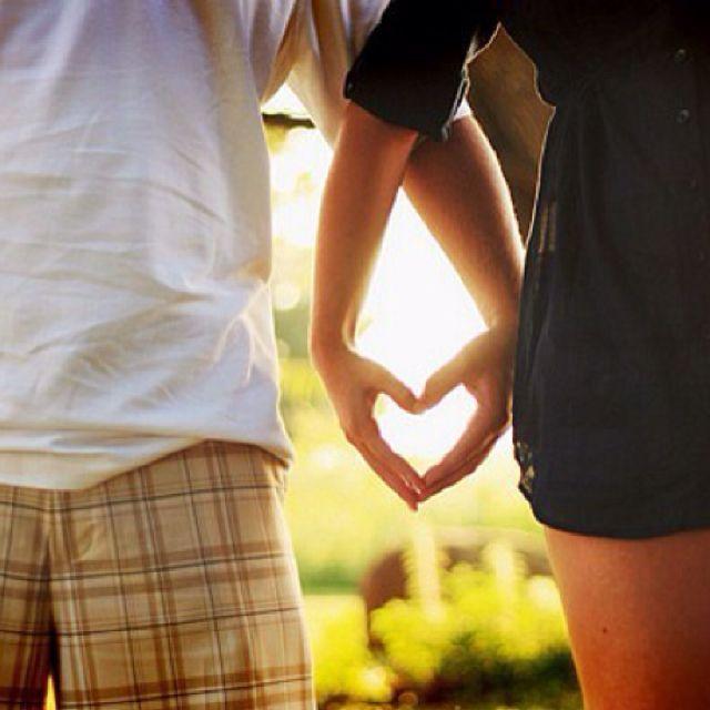 Engagement photo ideas! | Girlfriends and Boyfriends