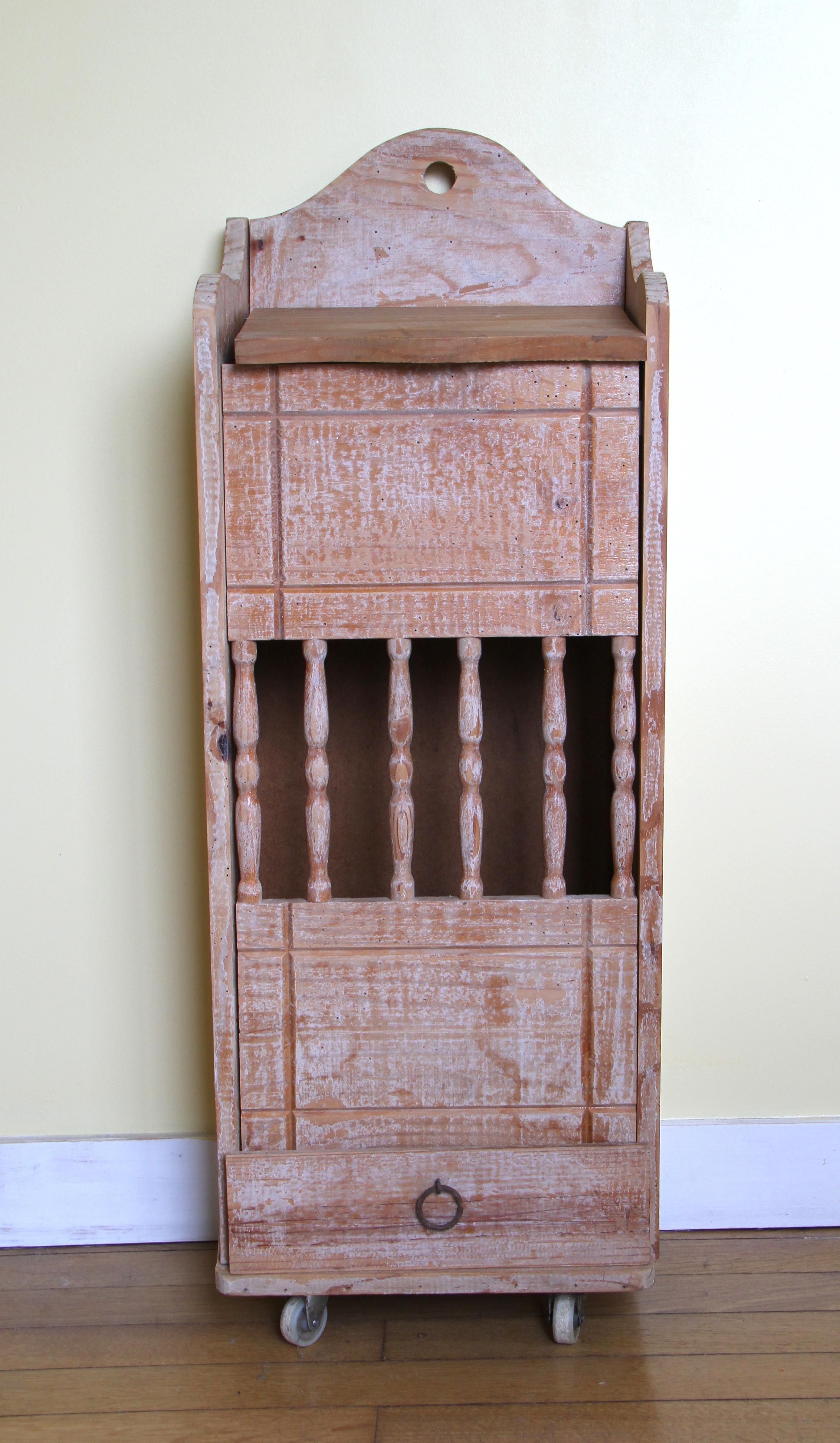 laquer un meuble fabulous pour viter les coulures de peinture sur le meuble pulvrisez la. Black Bedroom Furniture Sets. Home Design Ideas