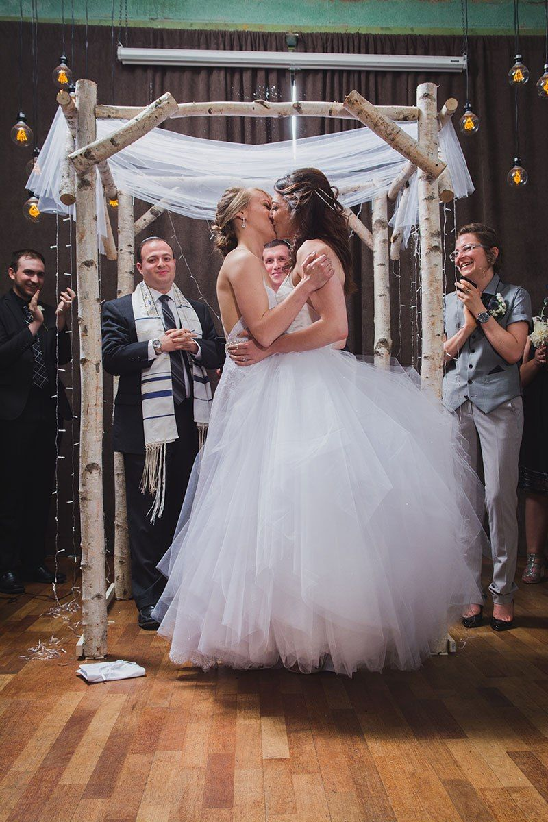 Trapeze, tulle, and two ladies at a gorgeous Seattle wedding
