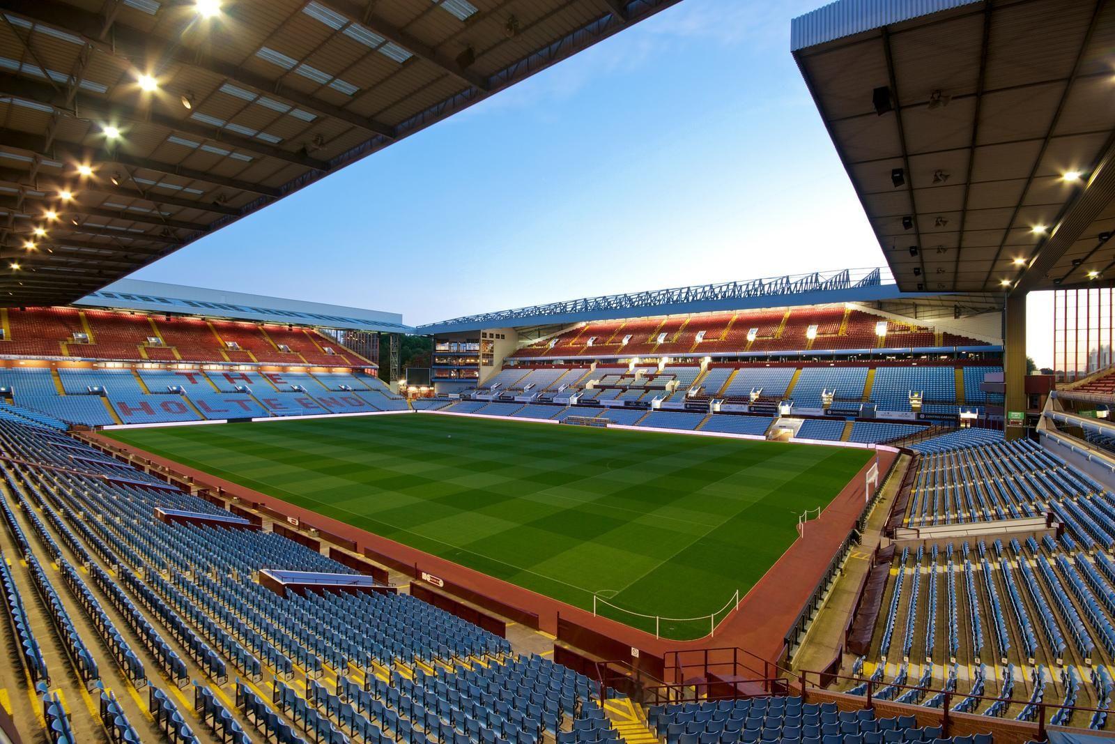 Villa Park, Birmingham, Inglaterra. Capacidad 43.000