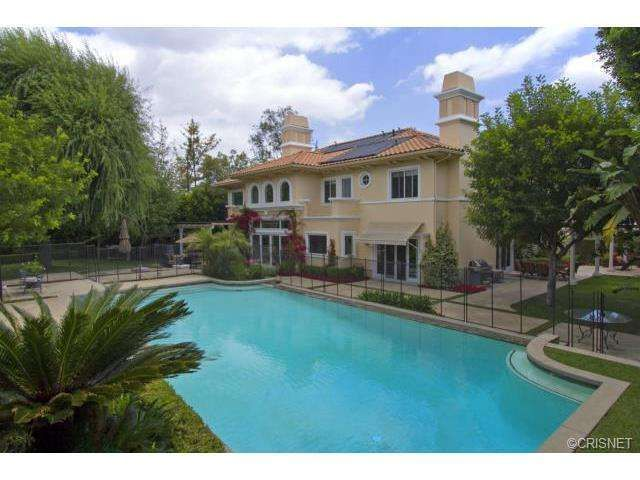 DeMar DeRozan house in Tarzana, Los Angeles