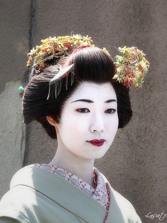 Geisha Fleurs Cheveux Coiffure Japon Japan Geisha Kimono Japan