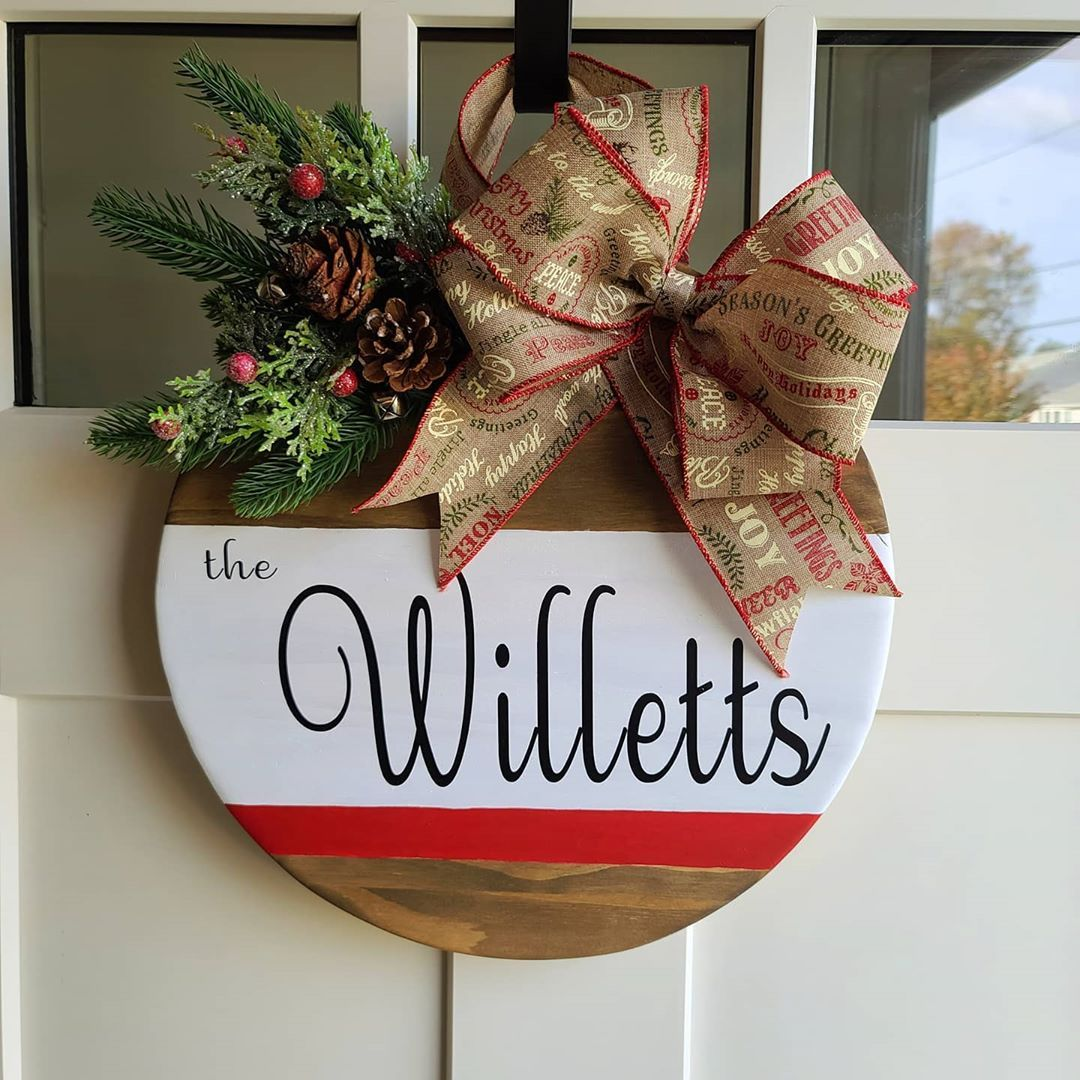 📦 Safe travels to the Willets! Spreading early holiday cheer 🎄💫 . . . . . #lunagraham_designs #farmhousedecor #farmhousechristmas #christmassigns #crafts #doorhanger #personalizedgifts #handmadegifts #craftsofinstagram #uniquegifts #uniquechristmasgifts #somethingpersonalized #smallbusiness #supportsmallbusiness #DIY #holiday #holidaygifts