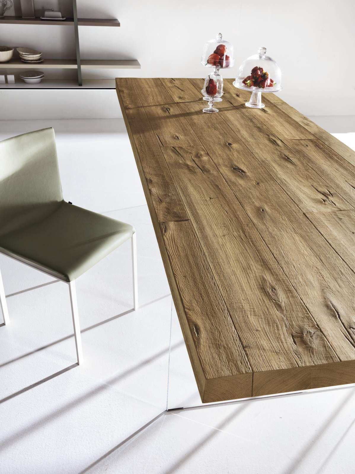 Decisamente materico, il tavolo Air Wildwood proposto da Lago e ...