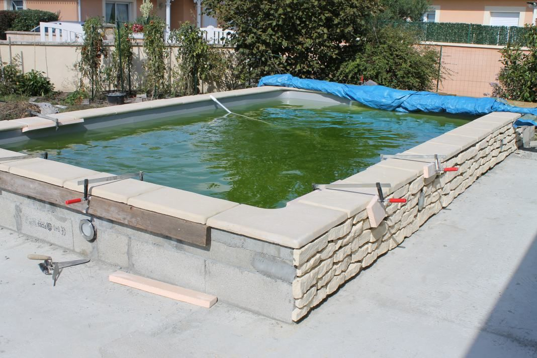 Pingl par annedeclaire sur piscine pinterest piscines for Construction piscine forum