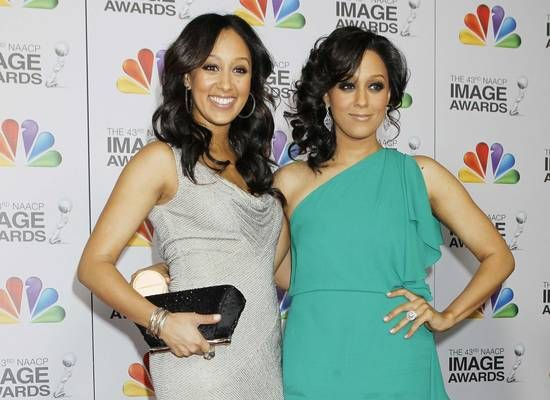 Tia Mowry And Tamera Mowry Of Sister Sister Fame Father Was Stationed At Fort Hood And They Lived In Killeen For A Short Pewter Dress Dress Outfits Outfits