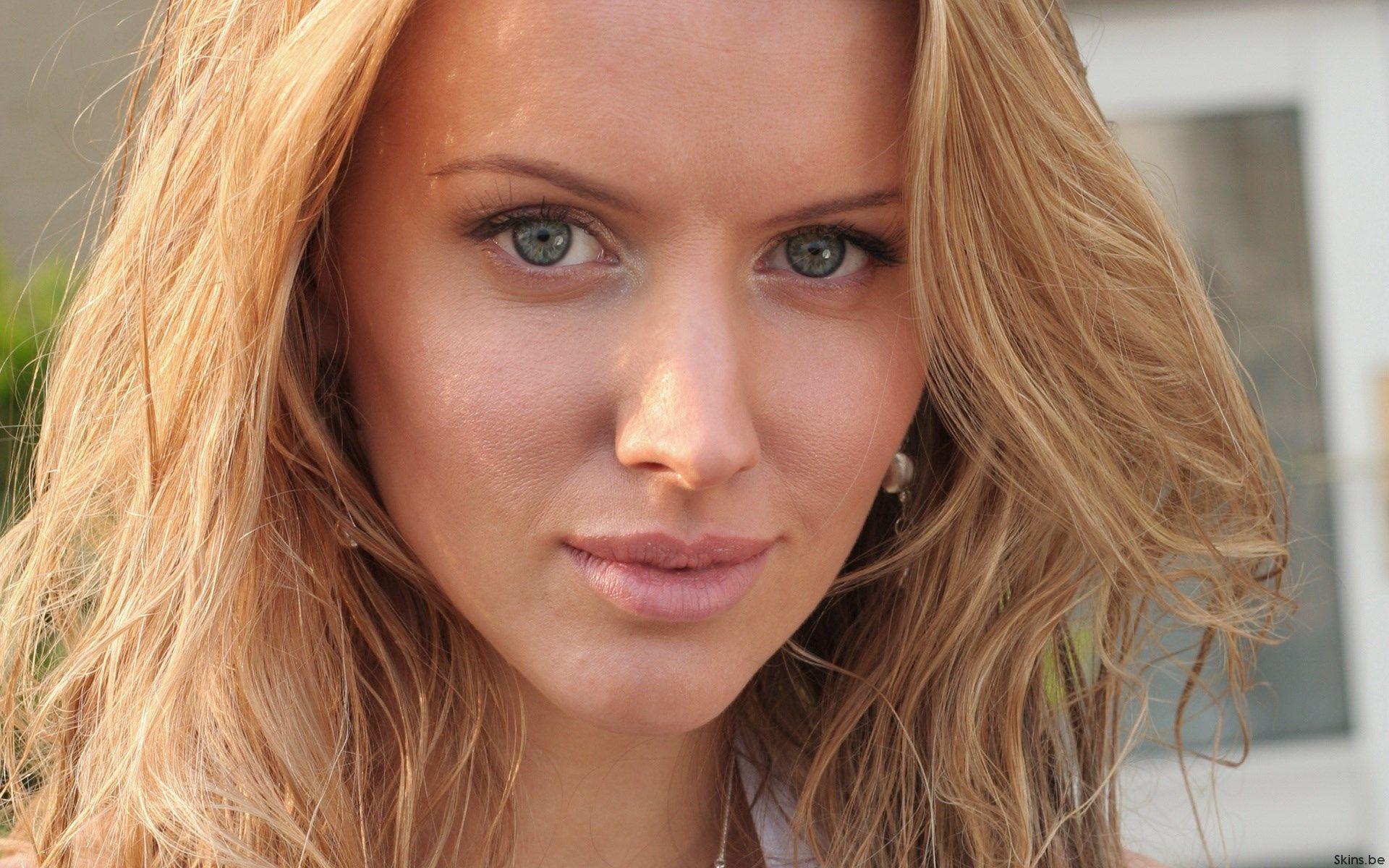 Tiffany Mulheron (born 1984)