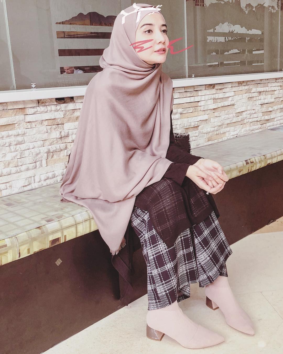 61 2k Likes 7 Comments Zaskia Sungkar Zaskiasungkar15 On Instagram Gak Tau Lagi Cara Meng Model Pakaian Asia Model Pakaian Hijab Model Pakaian Wanita