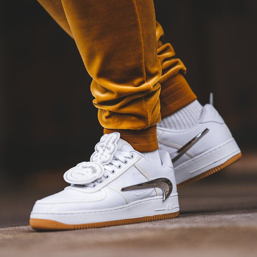 air force 1 low travis
