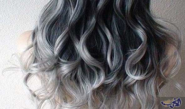 صبغة شعر رمادي أومبري من احدث الصيحات هي صيحة تقوم على أساس الشعر الداكن والأجمل أنها تليق بمختلف أنواع وأشكال Ombre Hair Ombre Hair Color Long Hair Styles