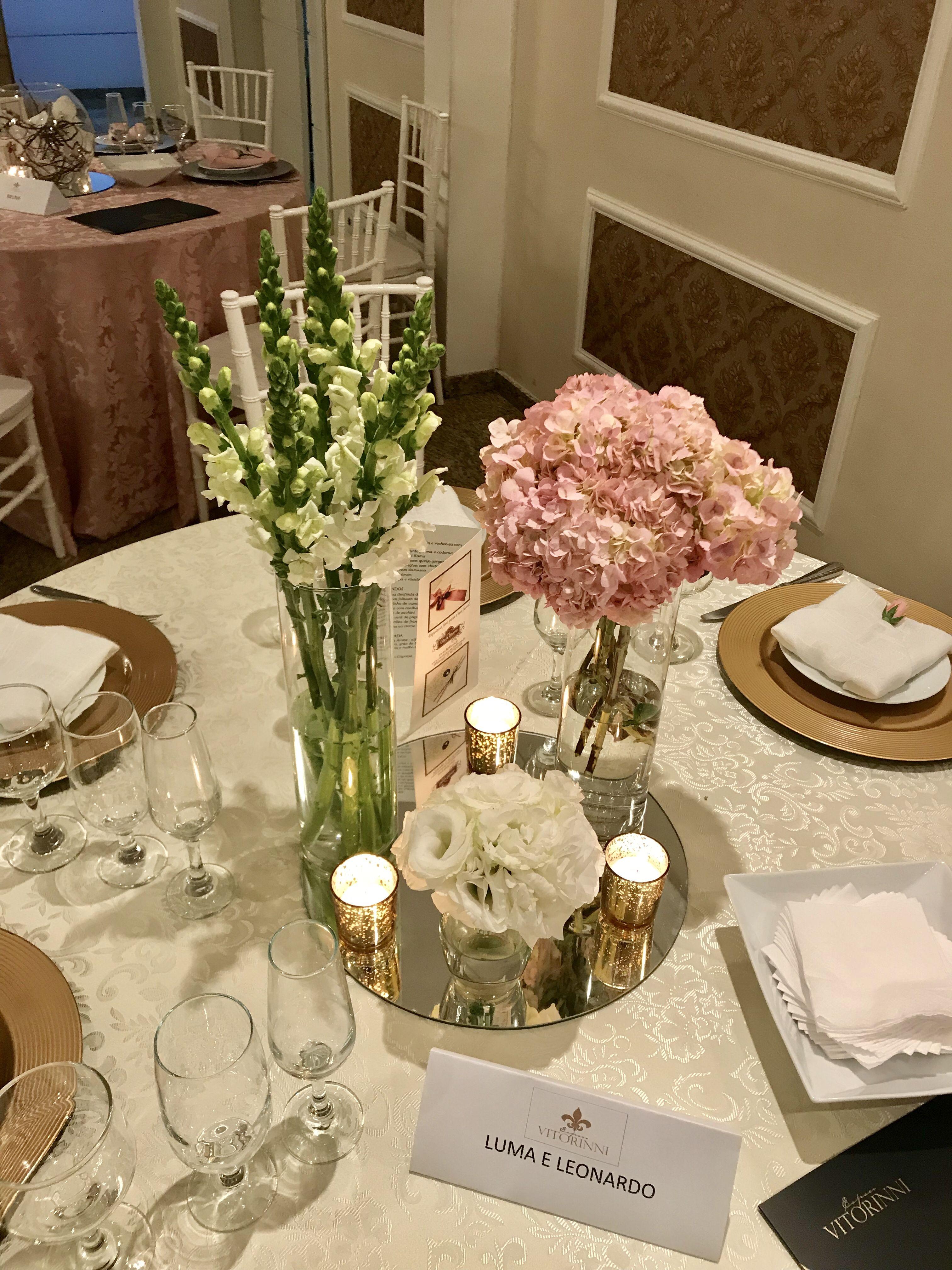 Delicado Arranjo De Mesa De Convidados Com Velas Casamento