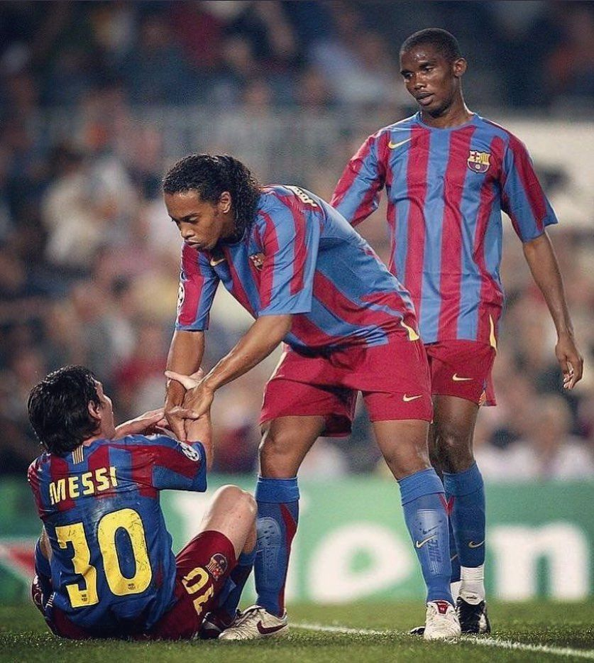 One Photo Three Legends Fcb Fcbarcelona Barcelona Barselona Barcelona Messi Eto Ronaldino Ronaldinho Barcelona Futbol Club Messi Lionel Messi