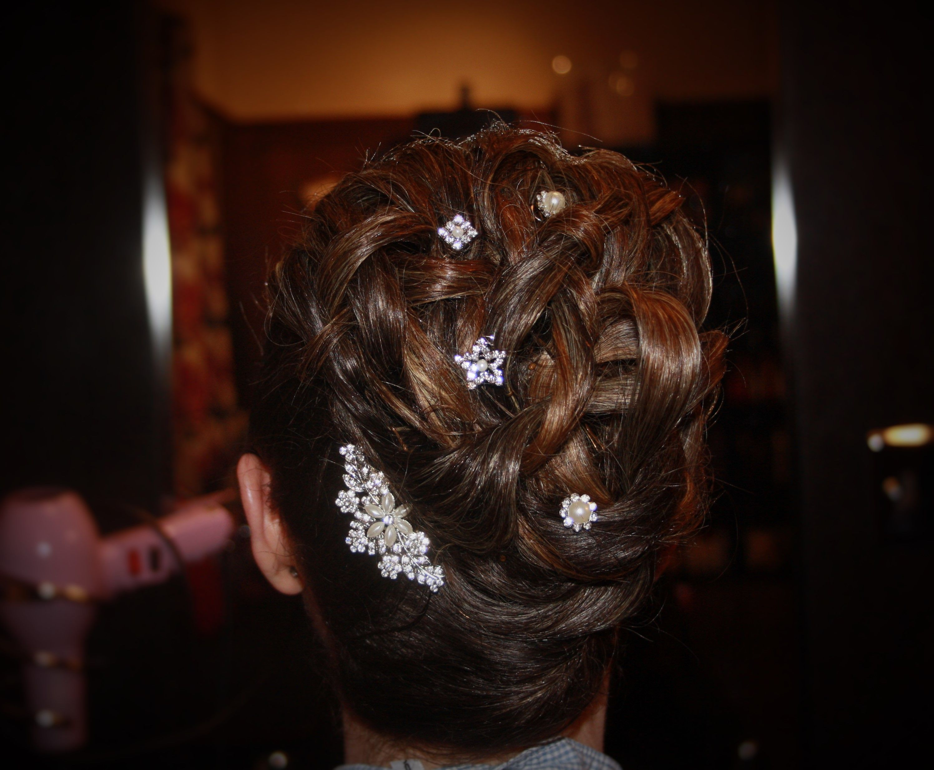 wedding hair up with diamante hair clips by www.kukispa