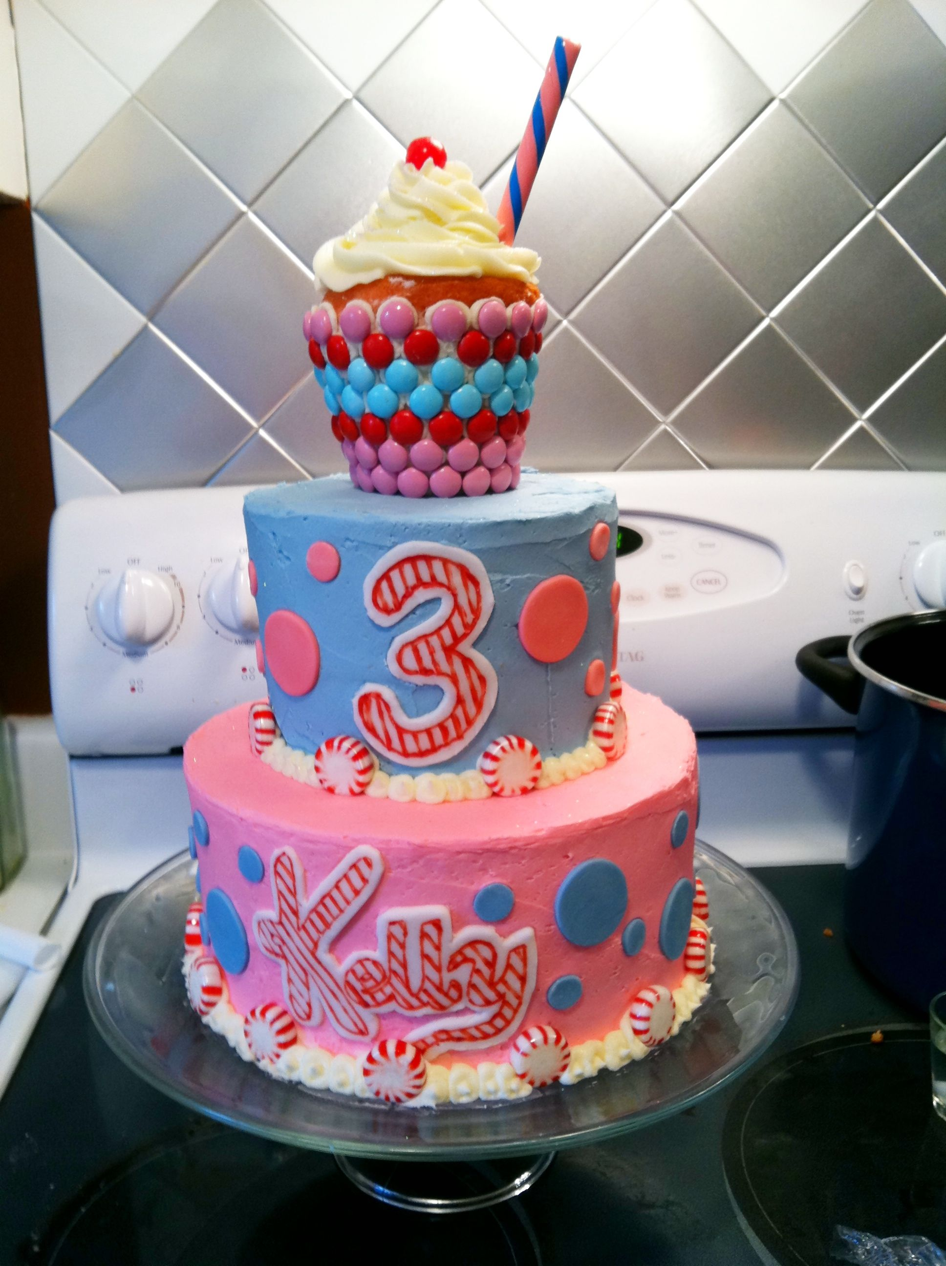 This Was Kellys Katy Perry Inspired Cake For Her Toddler Dream Party