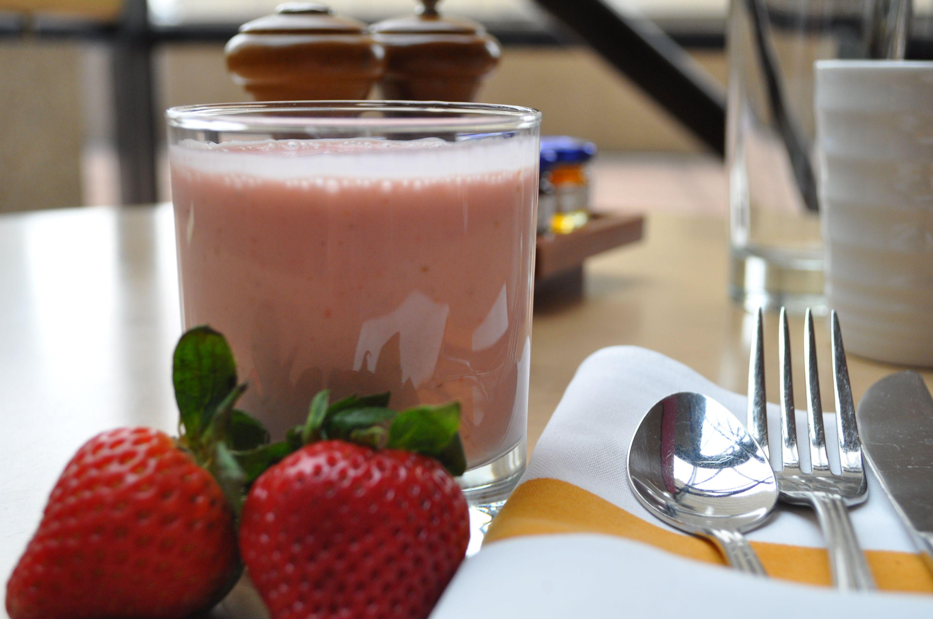 Strawberry Banana Smoothie - Cinnabar at Hyatt Regency Crystal City