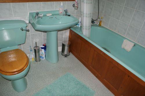 Armitage Shanks Turquoise Green Bathroom Suite
