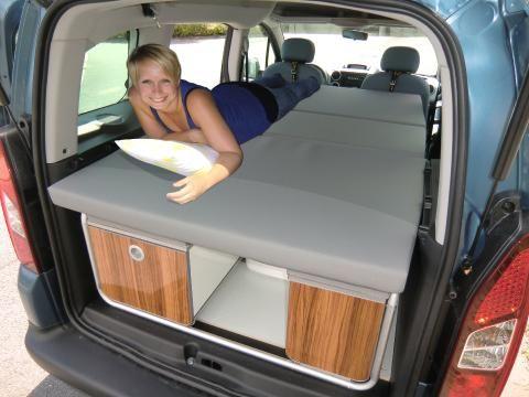 schlafen im auto na dann gute nacht spiegel online. Black Bedroom Furniture Sets. Home Design Ideas