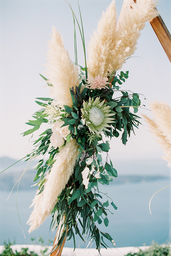 Boho + Chic: This Santorini Wedding is a Stunner