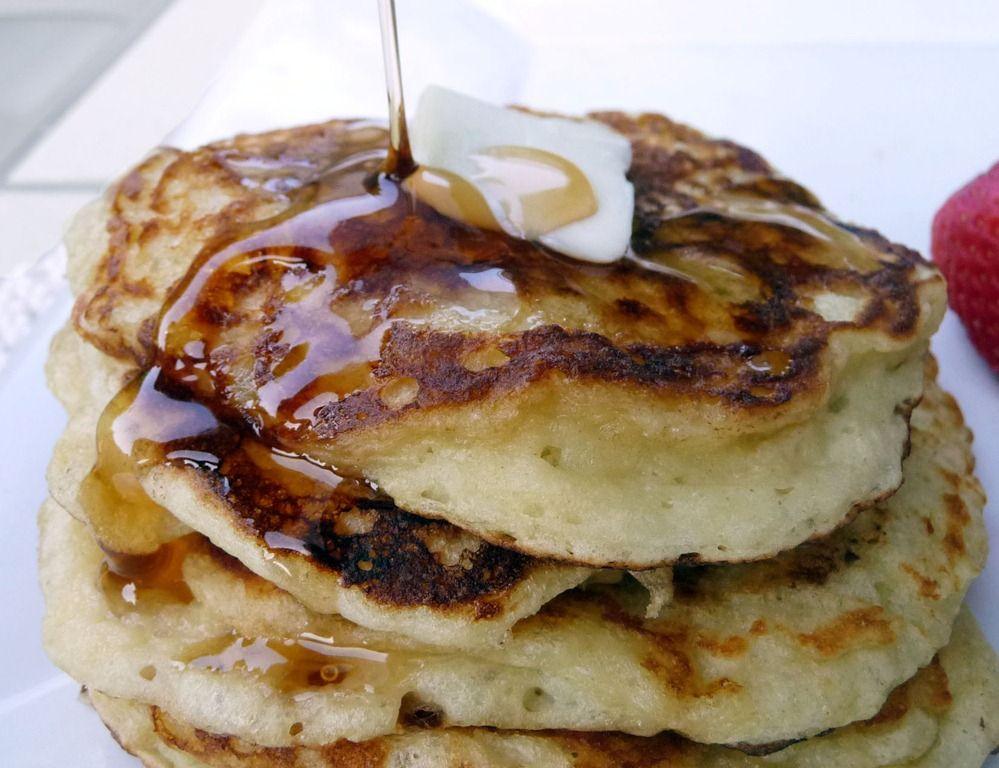 4-ingredient, low-calorie, Greek yogurt pancakes