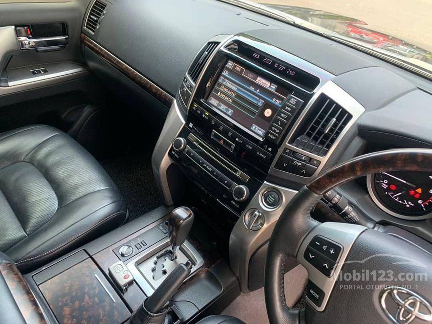 Harga Toyota Land Cruiser Full Spec E 2014 Bekas
