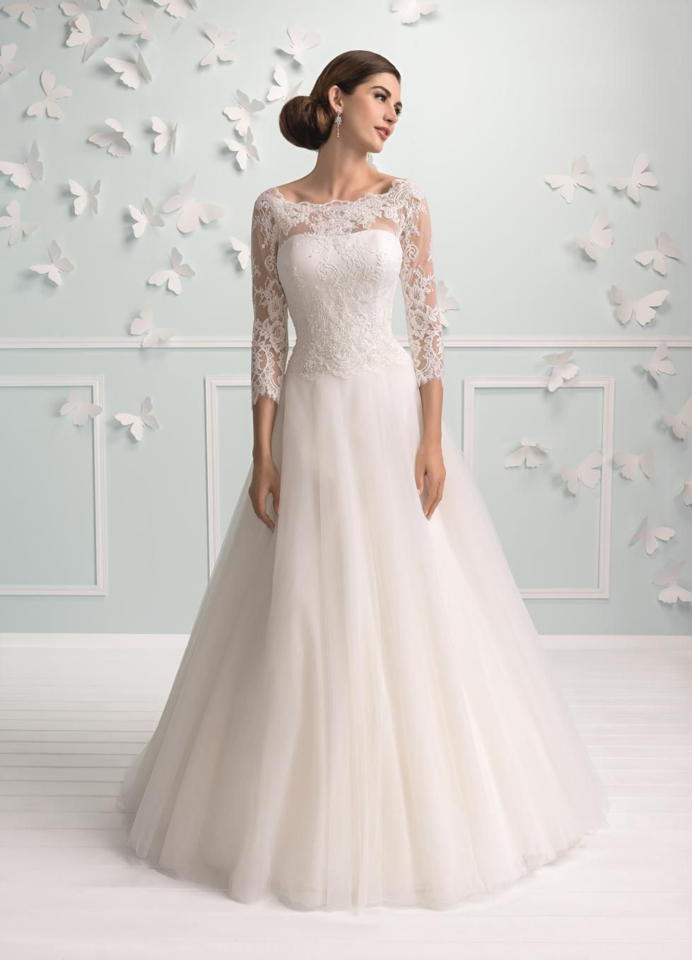 Pin by Corianne van Reenen on Wedding   Wedding dresses, Wedding ...