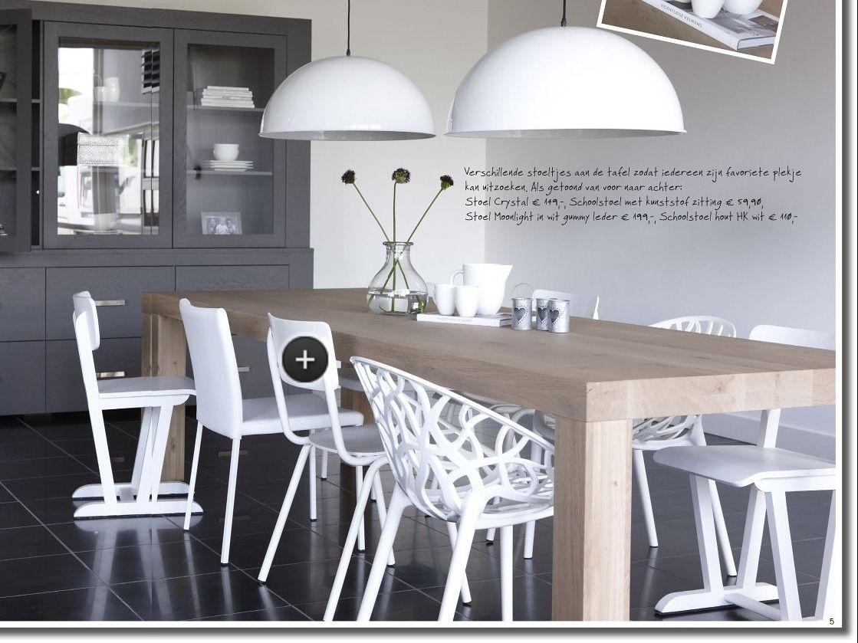 Licht houten tafel met witte stoelen gaat prima samen interieur pinterest witte stoelen en - Tafel en witte stoelen ...
