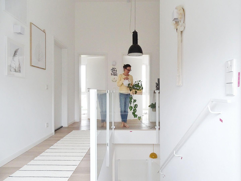 hoher flur gestaltung, gestaltung hoher flur im nordisch-industriellen stil im pultdachhaus, Innenarchitektur