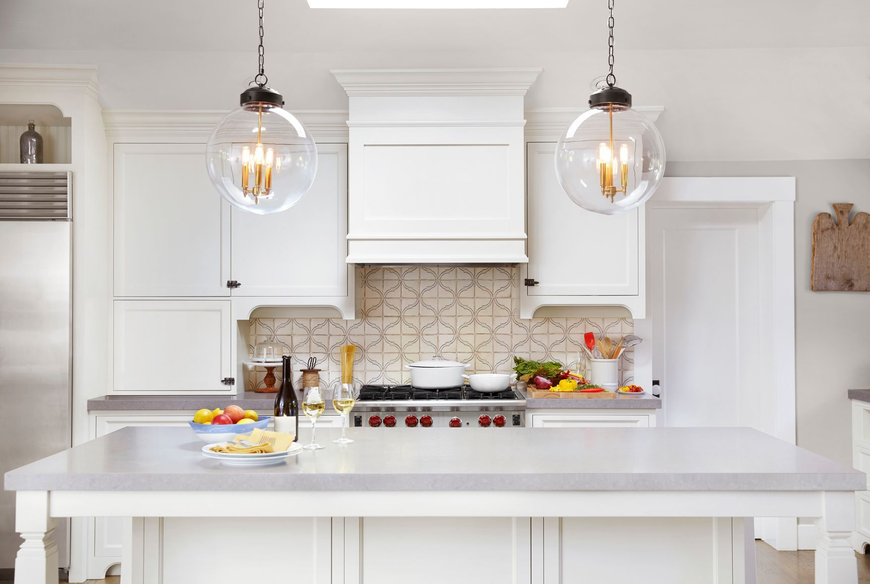How to Decorate a Room With No Windows   Kitchen decor modern ...