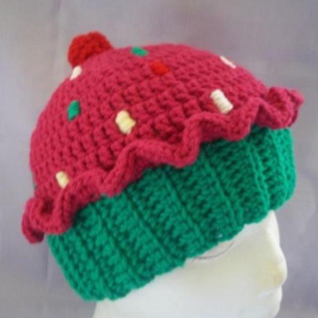 Cupcake crochet hat $15 www.facebook.com/craftyb.fly   Crafty ...