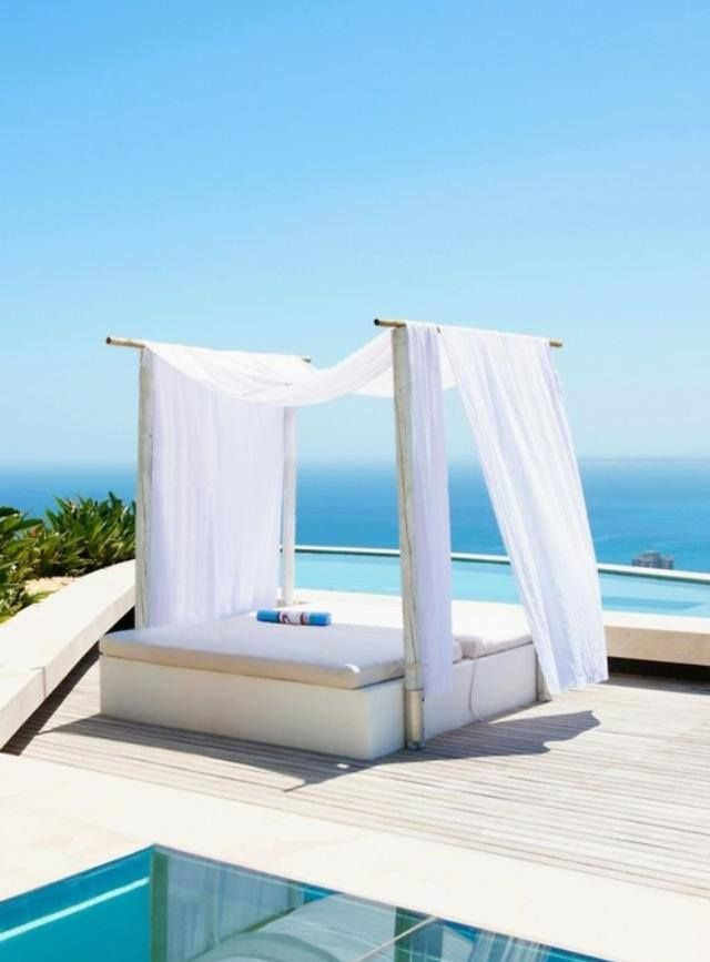 Beautiful outdoor poolside bed with canopy & Beautiful outdoor poolside bed with canopy | Outdoor Design ...