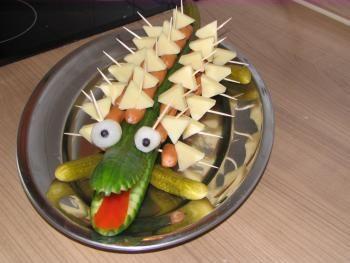 dekoracje z warzyw i owoców żabki
