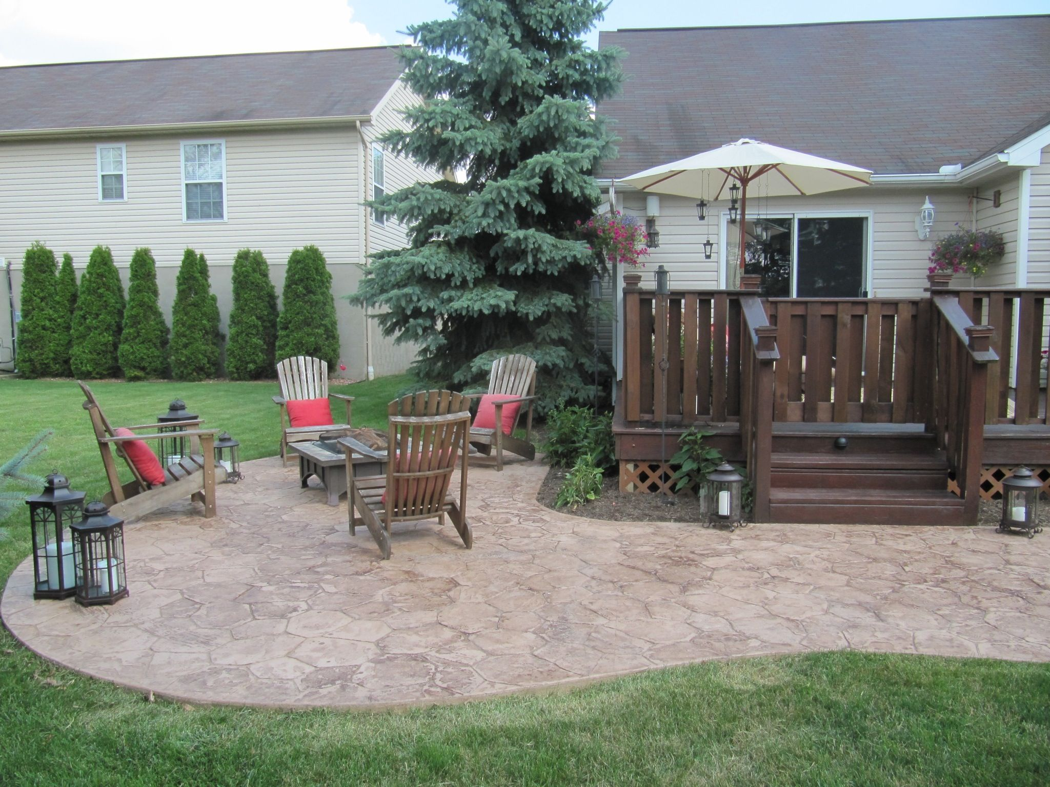 This lower patio area was designed as a kidney shape. The