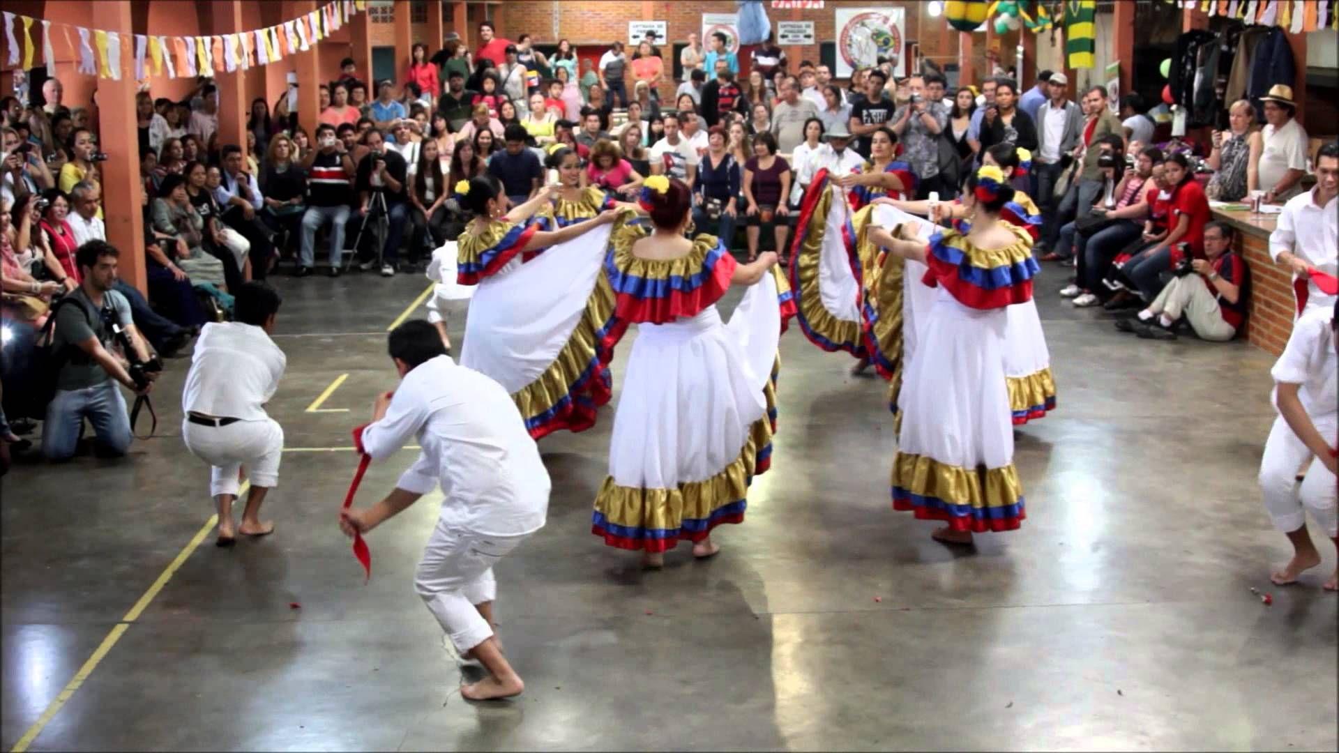 Danza Cumbia colombiana Folclore Latino Integracion Festa