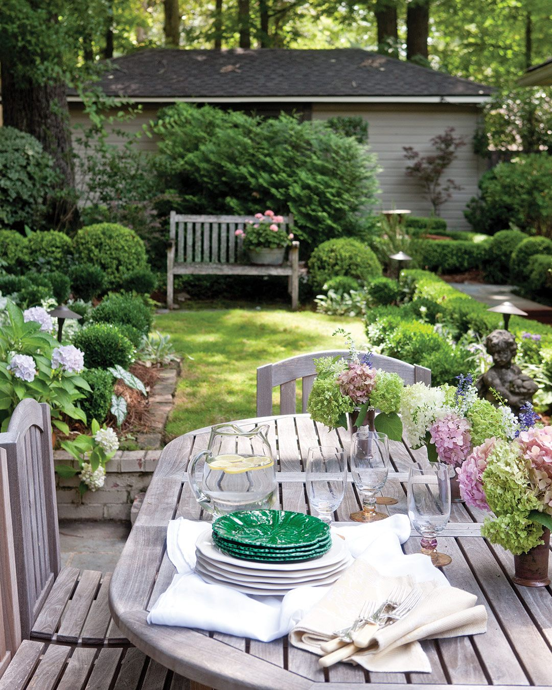 It S The Season For Garden Parties And We Can T Get Enough Outdoor Dining Small Cottage Garden Ideas Small Patio Garden Small Gardens