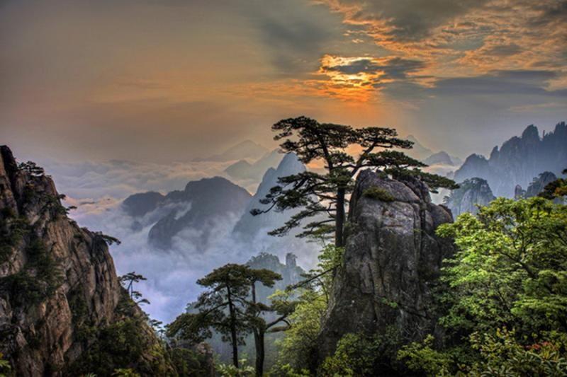 Yellow Mountain | Chinese in 2019 | Mountains, Mountain ...