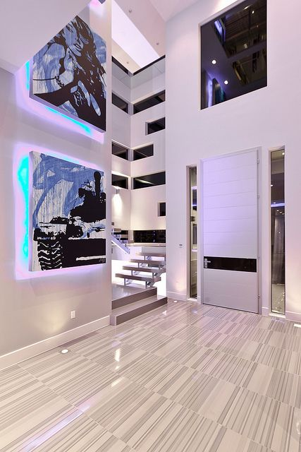 Delightful Modern Las Vegas Home 9/30   Front Door