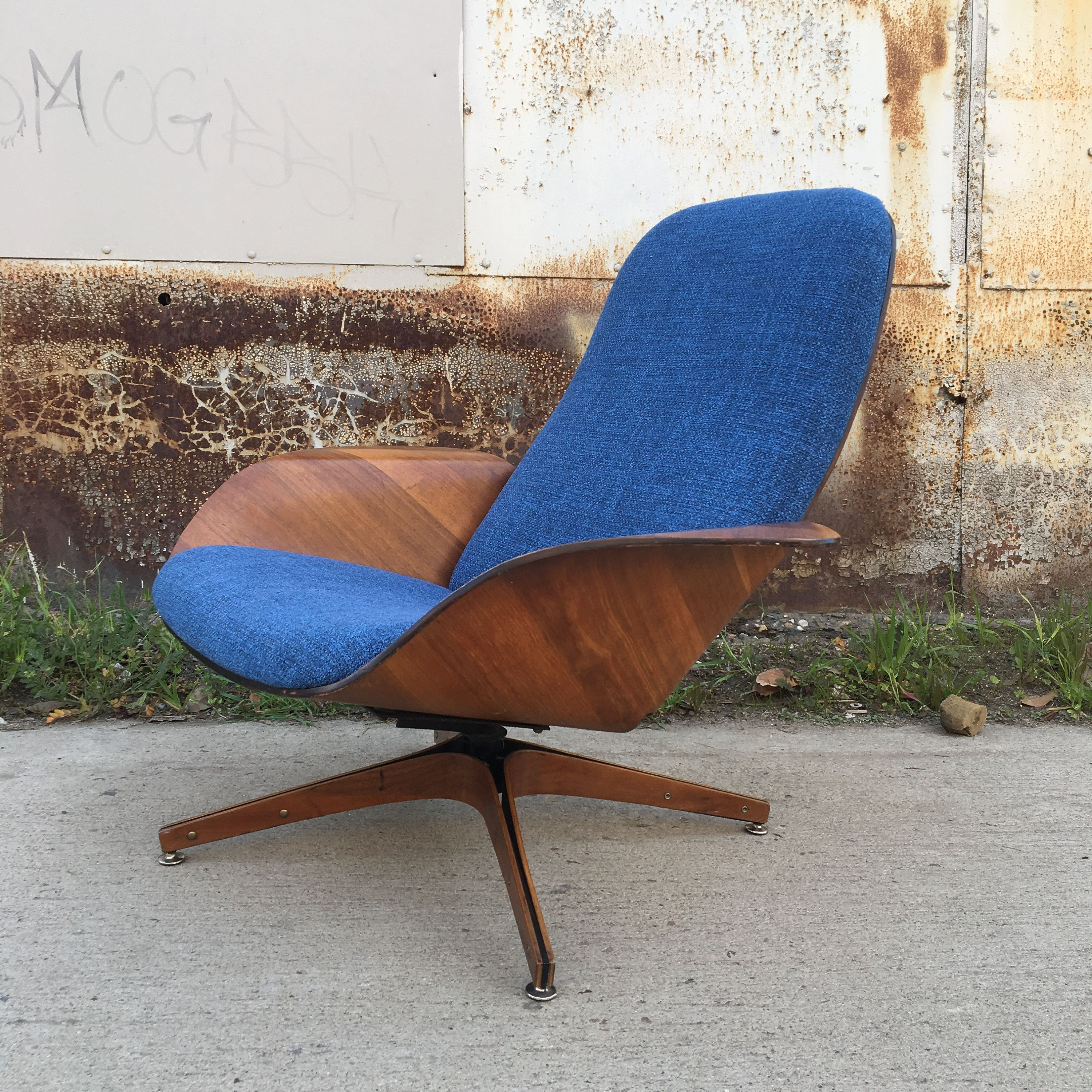 Mid century modern mr chair for plycraft by
