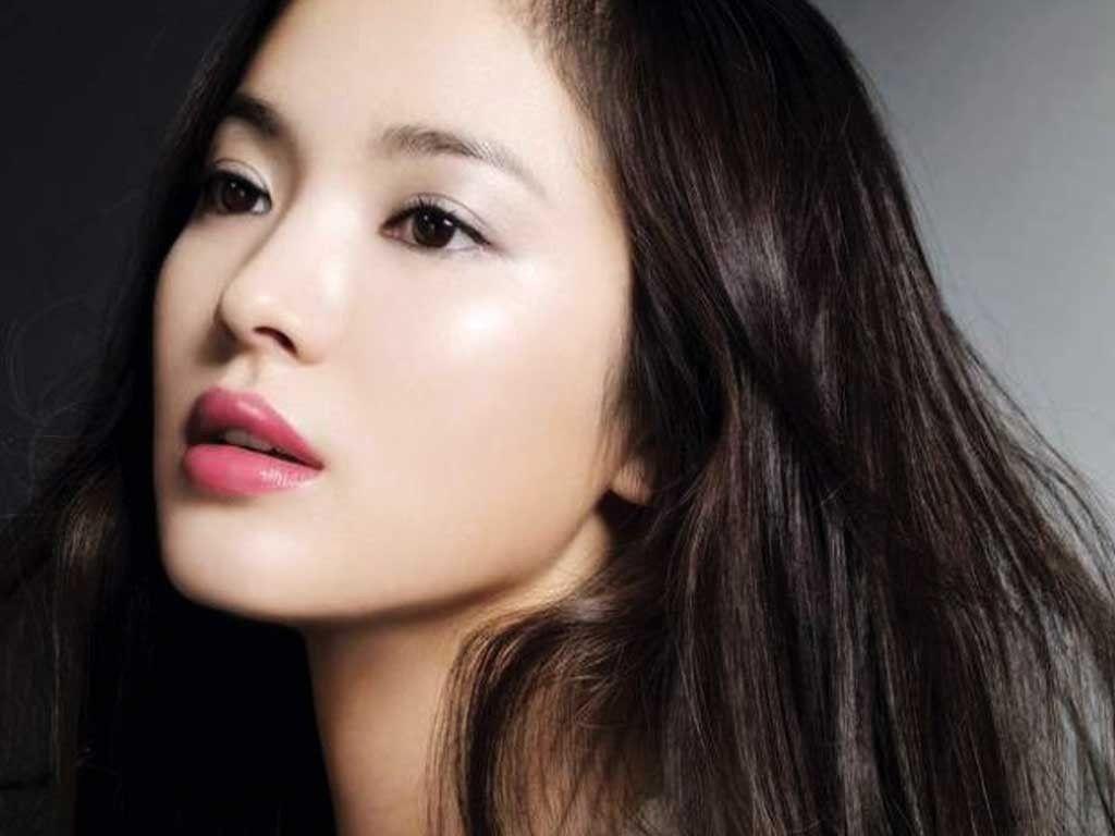 Las mujeres de Japón tienen el mayor gasto per cápita en productos de belleza a nivel global, además de lucir una piel de porcelana impactante. ¿Qué les po