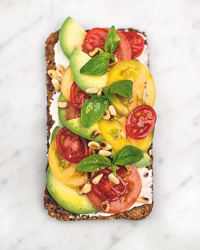 Jamie's Super Food on @channel4 tonight 8pm get watching for more healthy &delicious dishes like this properly loverly avocado on toast. Loads more in the book and online .com x xJOzx #FamilySuperFood