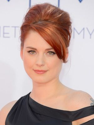 ELINOR: Redhead actress tv