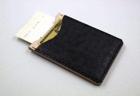ITカードで快適通過のオリジナルケースです。ITカードは裏側にセットします。表にはよく使うカード。中央ポケットには厚革のマチ入りなので名刺なら数枚入ります。縫... ハンドメイド、手作り、手仕事品の通販・販売・購入ならCreema。
