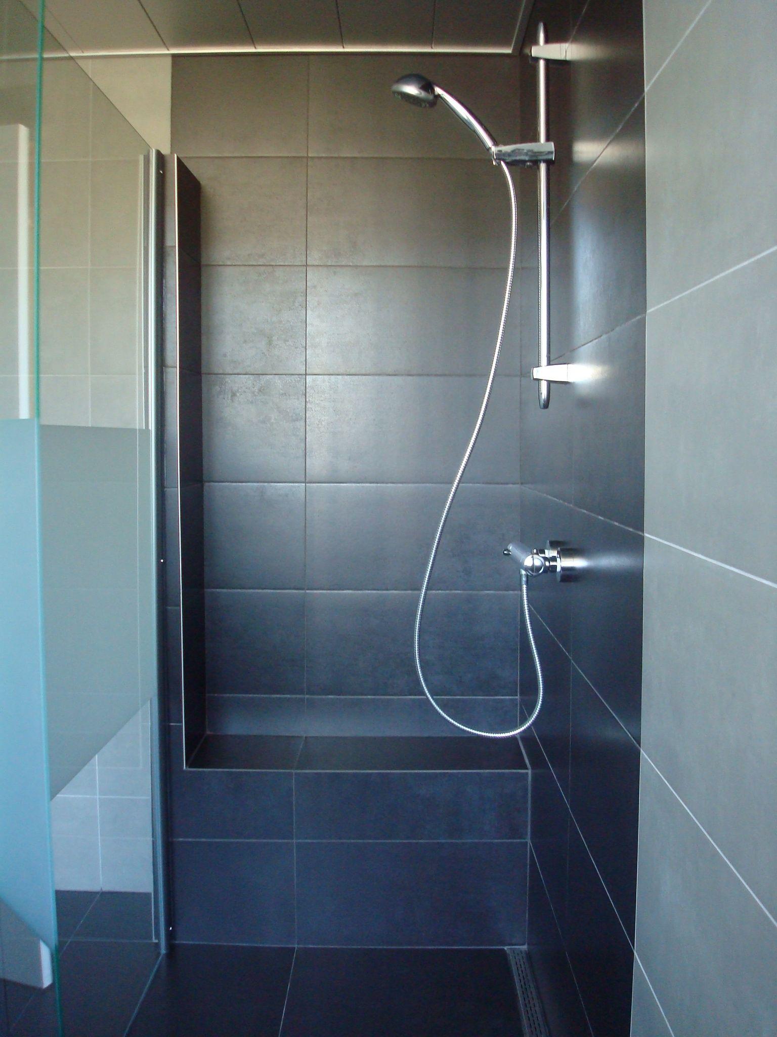 Afbeeldingsresultaat voor zitje in douche | badkamers modern klein ...