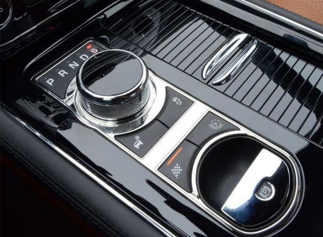 10 Outrageous Luxury Car Features Car Features Luxury Cars Dream Cars