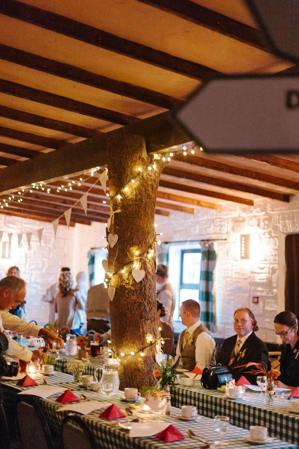 Get ideas for unique #decorations at your #wedding | Photos by Lisa O'Dwyer and Nuria Cañestro