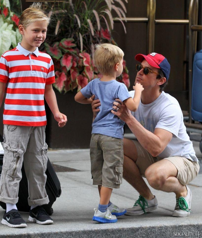 Matt Bomer Gets A Family Bear Hug Matt Bomer Pinterest Matt